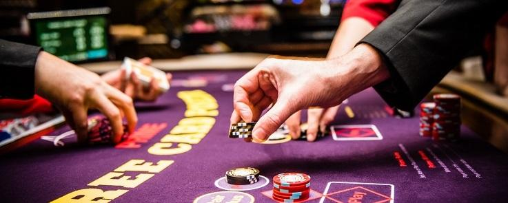 Advanced Card Counting: Blackjack Strategy Deviations